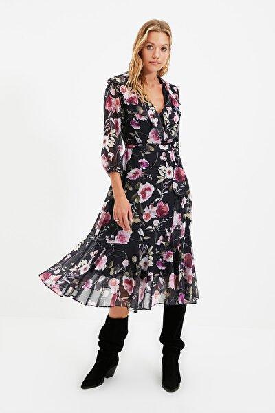 Çok Renkli Kuşaklı Kruvaze Yaka Elbise TWOAW22EL0429