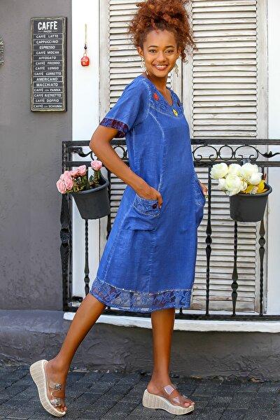 Kadın Saks Mavi Dantel Detaylı El İşi Çiçek Detaylı Cepli Astarlı Dokuma Elbise M10160000EL94437