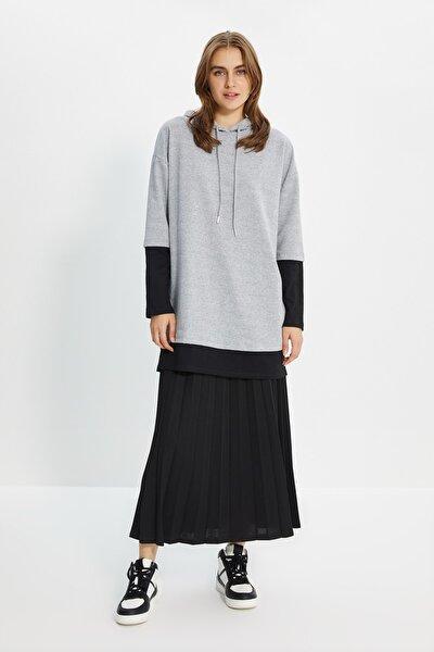Gri-Siyah İçten T-shirt Çıkmalı Örme Sweatshirt TCTAW22TW0049