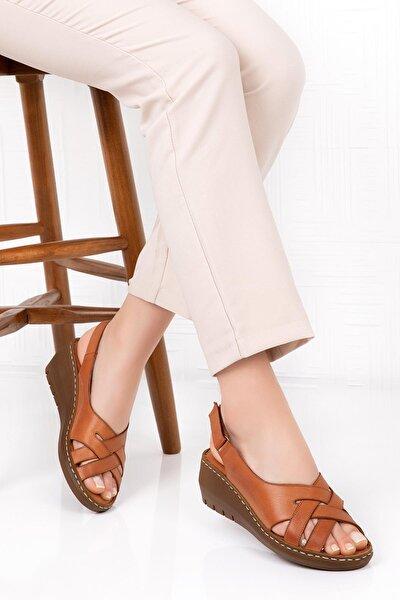 Kadın  Kahverengi Hakiki Deri Dolgu Topuk Sandalet