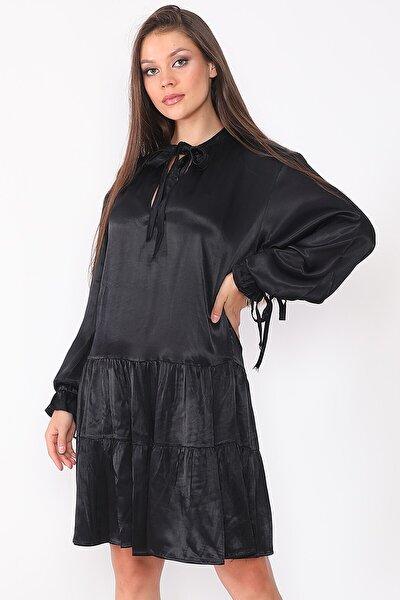 Kadın Siyah Farbalı Saten Kumaş Elbise