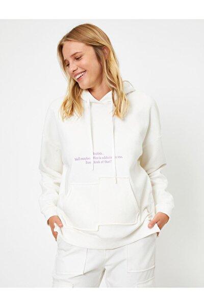 Kapüşonlu Cepli Yazılı Baskılı Uzun Kollu Sweatshirt