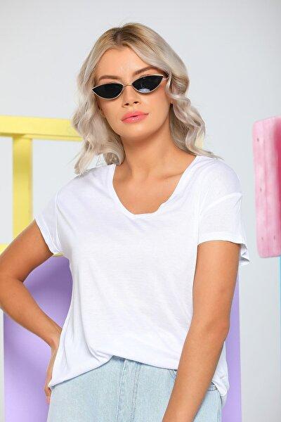 Kadın Beyaz V Yaka Salaş T-shirt