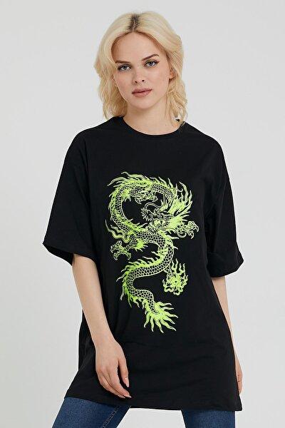 Kadın Siyah Ejderha Baskılı Oversize T-shirt