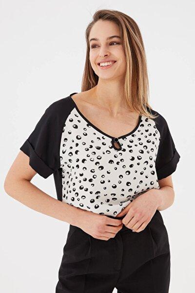 Kadın Siyah Kısa Kol Benekli Bluz