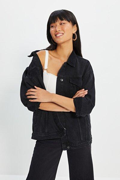 Siyah Kadife Detaylı Denim Ceket TWOAW22CE0226
