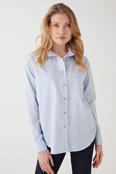 Kadın Mavi Cepli Çizgili Gömlek