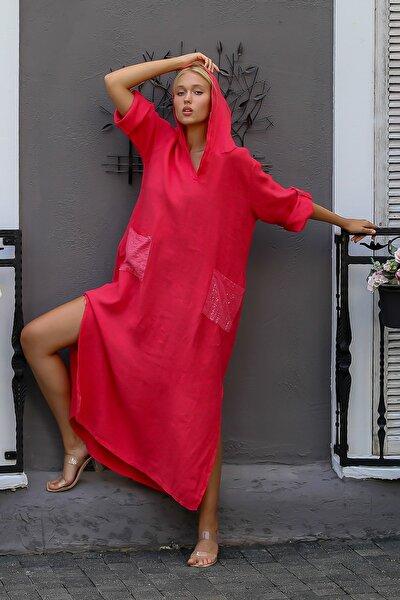 Kadın Kırmızı İtalyan Kapüşonlu Pul Cepli Uzun Kol Ayarlı Yırtmaçlı Keten Elbise M10160000EL94277