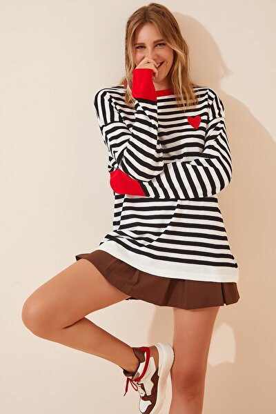 Kadın Kırmızı Beyaz Nakışlı Çizgili Oversize Triko Kazak MT00045