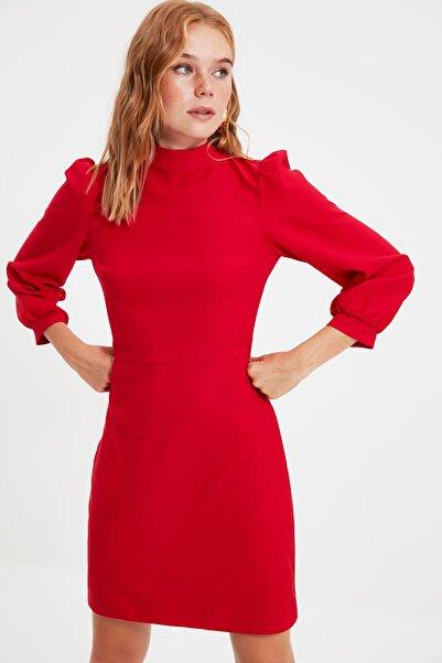 Kırmızı Boyundan Bağlamalı Elbise TWOAW20EL1691