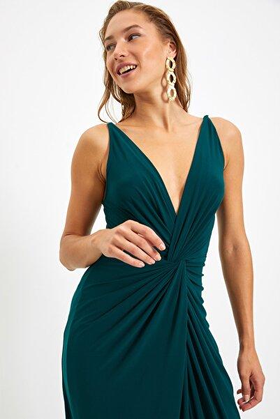Zümrüt Yeşili Drape Detaylı Abiye & Mezuniyet Elbisesi TPRSS19UT0099