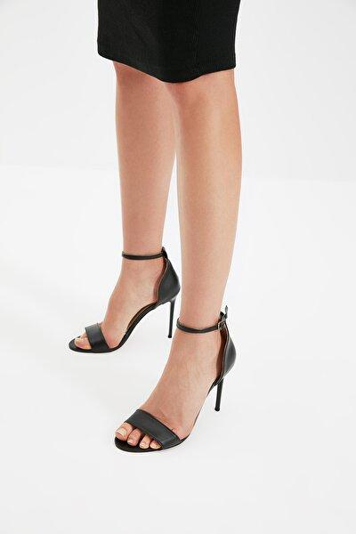 Siyah Kadın Klasik Topuklu Ayakkabı TAKSS21TO0117