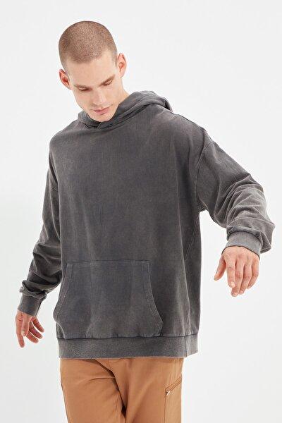 Antrasit Erkek Oversize Kapüşonlu Baskılı Sweatshirt TMNAW22SW0421