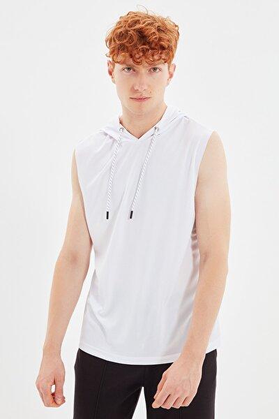 Beyaz Erkek Regular Fit Sıfır Kol Kapüşonlu Teknik Kumaşlı Spor Atlet TMNAW21AL0007