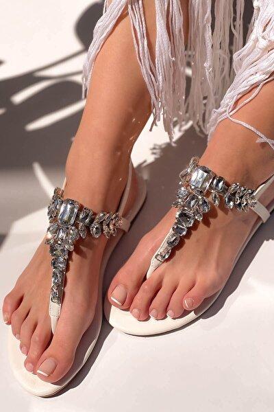 Kadın Beyaz Taşlı Parmak Arası Sandalet