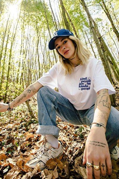 Eazy Beyaz Kind People Unisex Oversize Baskılı Kısa Kollu T-shirt