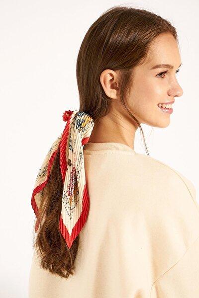 13465-1 Etnik Desenli Kırmızı Kenarlıklı Piliseli Bandana Fular