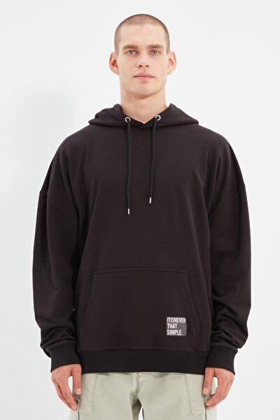 Siyah Erkek Kapüşonlu Oversize Slogan Etiketli Sweatshirt TMNAW21SW2005
