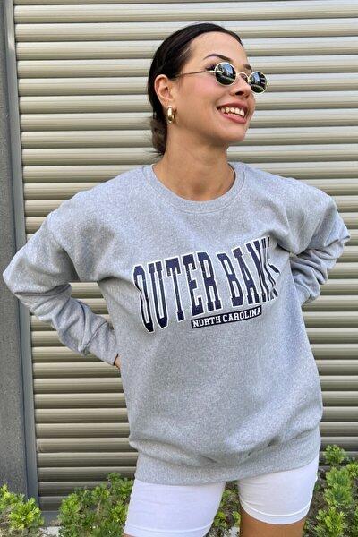 Kadın Gri Oversize Outer Banks Baskılı Sweatshirt