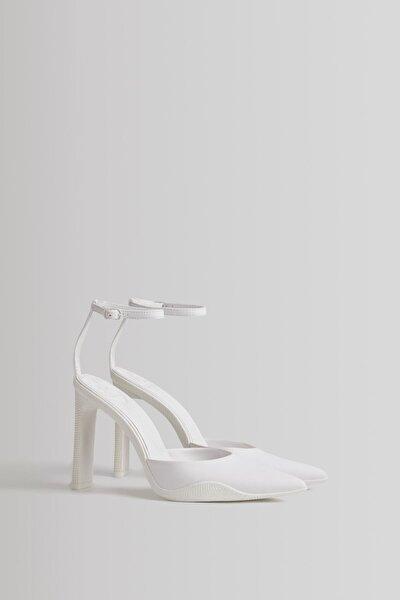 Arkası Bantlı Topuklu Ayakkabı