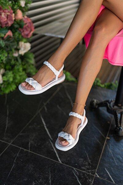 Beyaz Kadın Puf Örgülü Sandalet