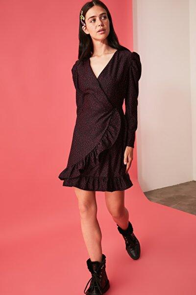 Mor Desenli Volanlı Kruveze Elbise TWOAW21EL2075