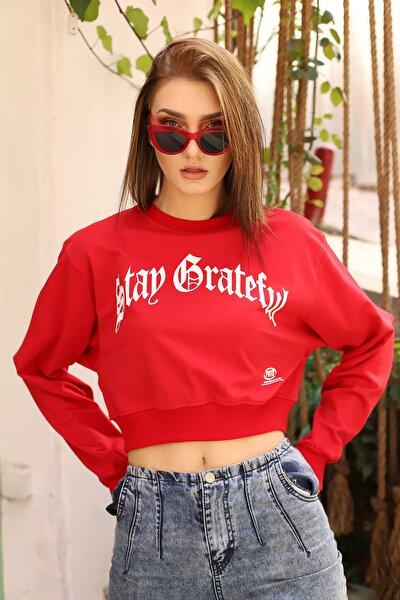 Kadın Kırmızı Önü Baskılı Kısa Sweatshirt