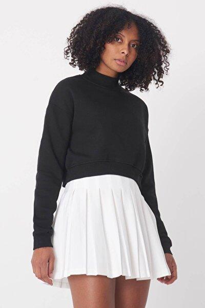 Kadın Siyah Yarım Balıkçı Yaka Kısa Sweatshirt S8625 - B9 ADX-0000020605