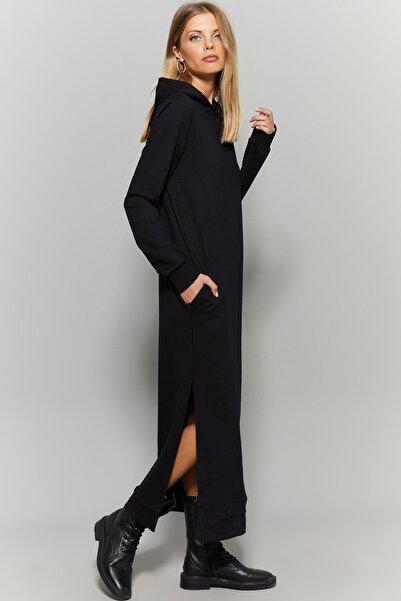 Kadın Siyah Yırtmaçlı Kapüşonlu Maxi Elbise EY1111