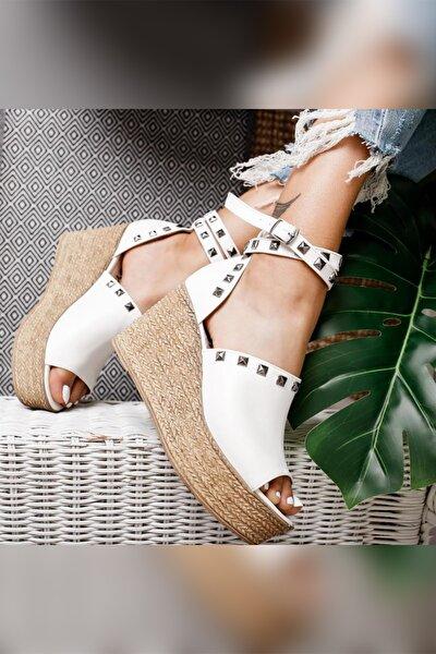 Phoebe Beyaz Zımbalı Dolgu Topuklu Ayakkabı