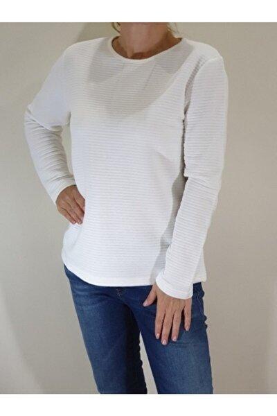 Kadın Beyaz Uzun Kollu Kapitone Sweatshirt