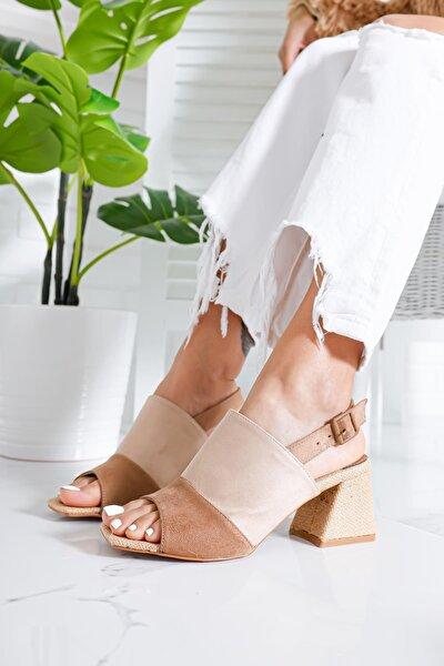 Elizabeth Ten Kum Süet Alçak Topuklu Kemerli Sandalet