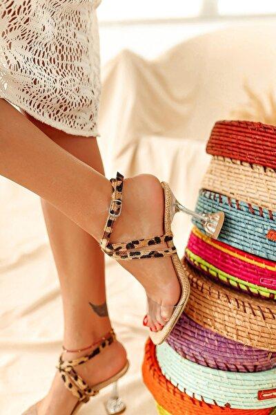 Kadın Kahverengi Şeffaf Hasır Leopar Desen Bantlı Topuklu Sandalet