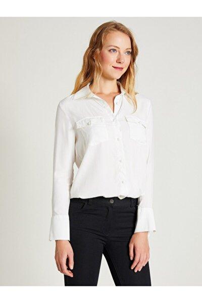 Kadın Beyaz Jakarlı Çift Cepli Gömlek 9206-0008