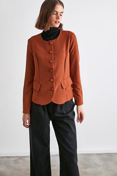 Kahverengi Düğme Detaylı Bluz TWOAW21BZ0652