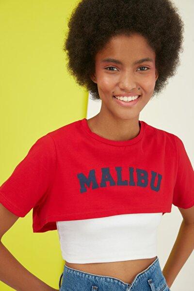 Kırmızı Baskılı Crop Örme T-Shirt TWOSS21TS1340