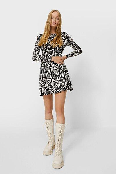 Kıvrımlı Kenarlı Mini Elbise