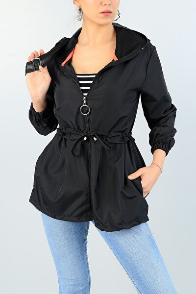 Kadın Siyah Renk Kapüşonlu Cepli Yağmurluk 62089