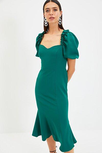 Zümrüt Yeşili Yaka Detaylı Elbise TPRSS21EL0053