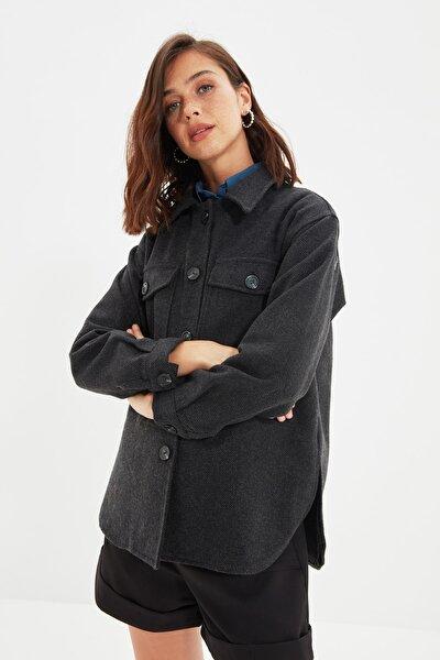 Siyah Çift Cepli Oversize Kalın Gömlek Ceket TWOAW22CE0172