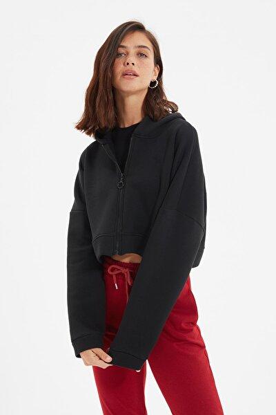 Siyah Kapüşonlu Crop Örme İnce Sweatshirt TWOAW20SW0660
