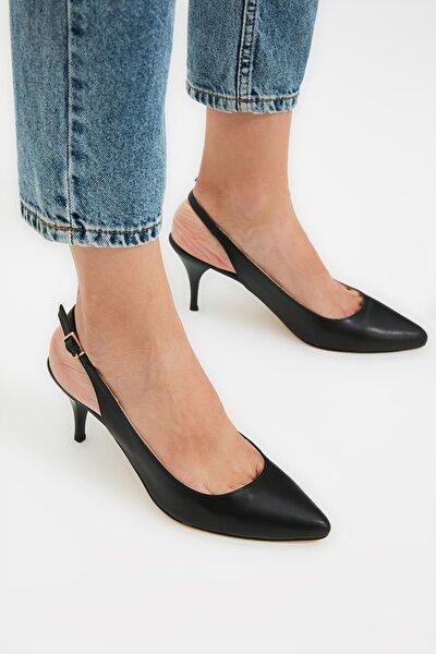 Siyah Kadın Klasik Topuklu Ayakkabı TAKSS21TO0074