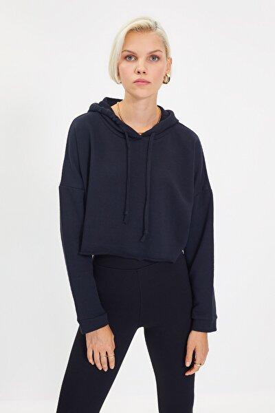 Siyah Kapüşonlu Crop Örme İnce Sweatshirt TWOAW20SW0144