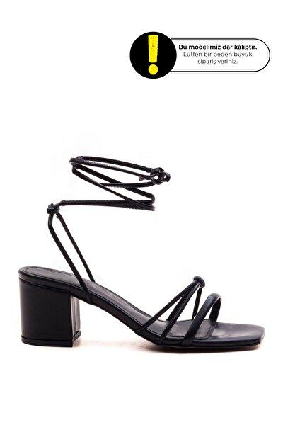 Kadın  Siyah Renk İpli  Günlük Sandalet
