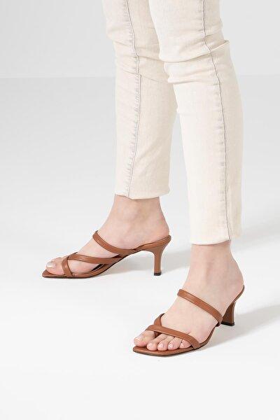 Kadın Kahverengi Az Topuklu Yazlık Sandalet