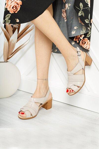 Hakiki Deri Kadın Günlük Klasik Topuklu Sandalet