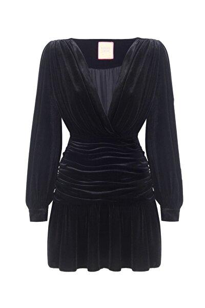 Siyah V Yaka Drapeli Kadife Mini Elbise
