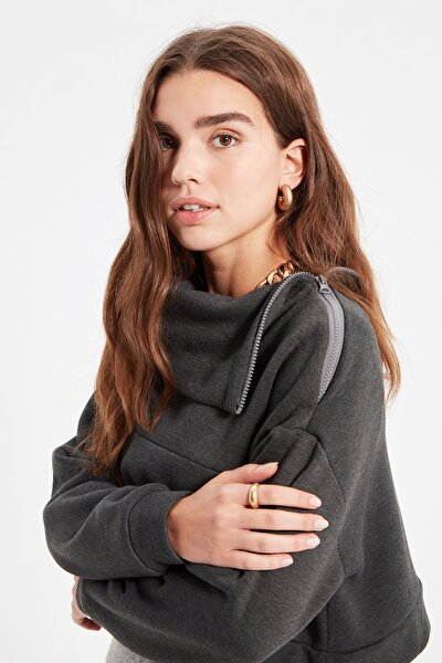 Antrasit Fermuar Detaylı Dik Yaka Şardonlu Crop Şardonlu Örme Sweatshirt TWOAW21SW0121