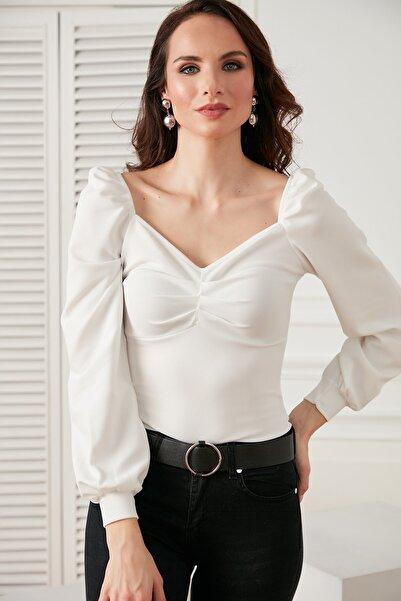 Önü Büzgülü Kol Detaylı Likralı Bluz