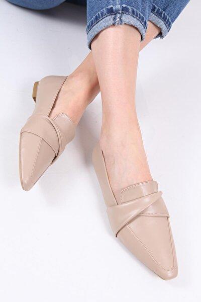 Kadın Bej Sivri Burunlu Loafer Ayakkabı